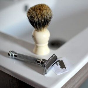 Safety razor or cartridge razor