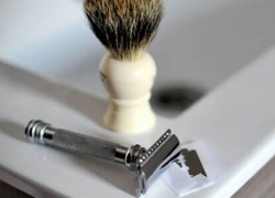 Cartridge Razors VS Safety Razors